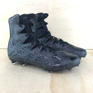 NEW New Under Armour Highlight Lux Mens Football